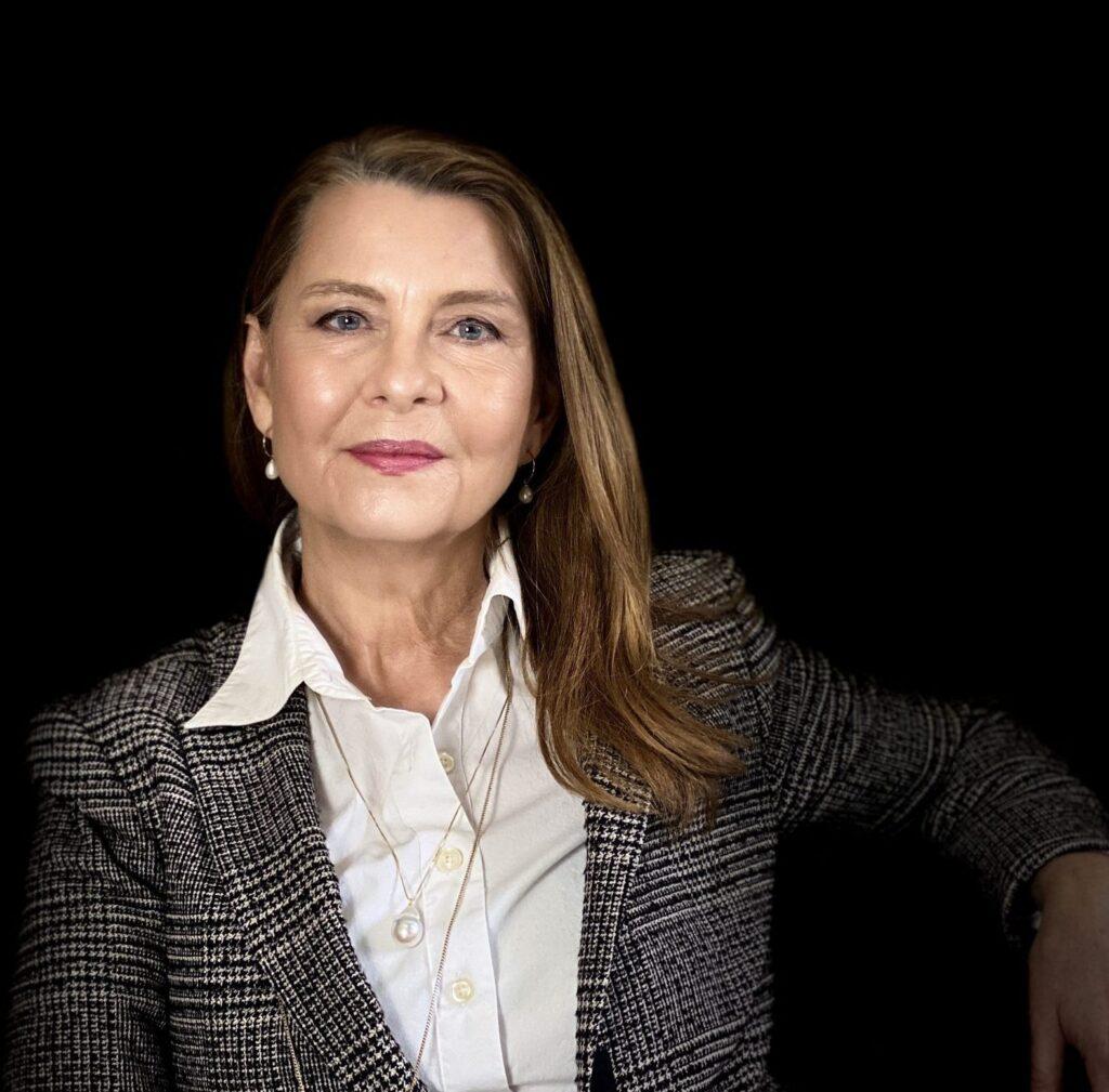 Portræt af ejer og kreativ leder af designbureauet designcoach Angela Lund- portræt